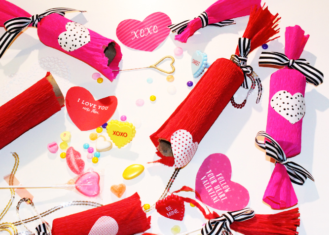DIY-VALENTINES-DAY-CANDY-POPPERS-23