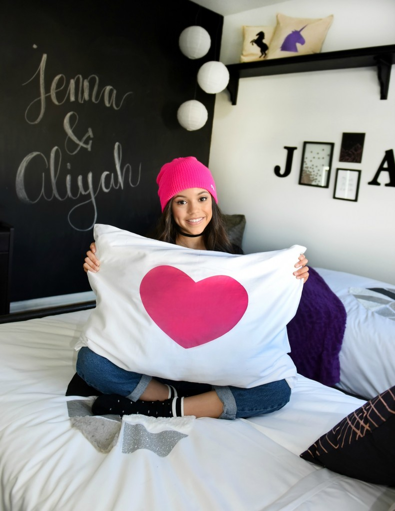 Jenna Ortega Room Makeover