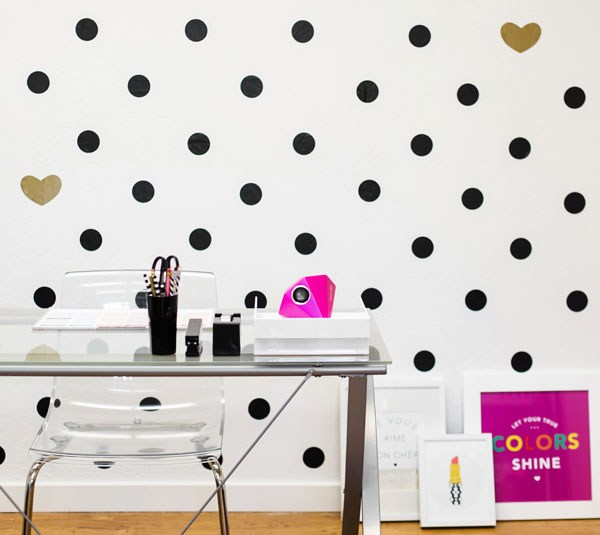 HeartWallDecal DIY room makeover