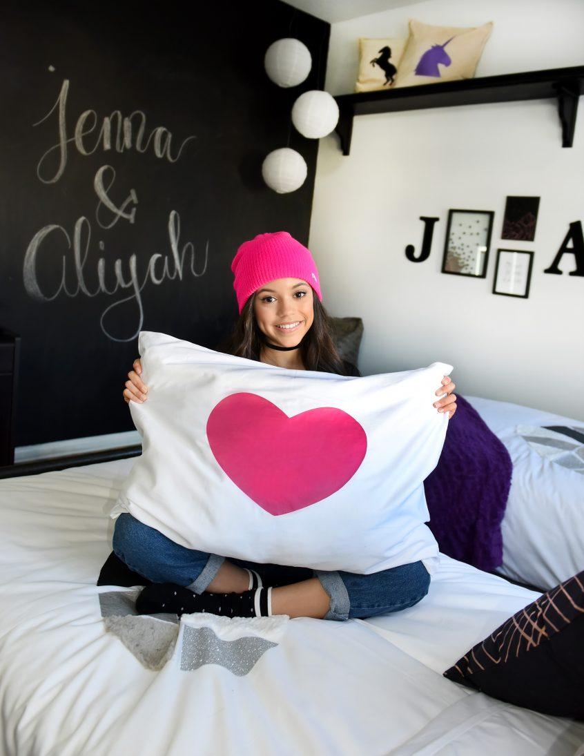Cricut Jenna Ortega